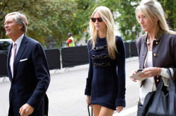 pe-arl:  Poppy Delevingne outside the Burberry Prorsum Show