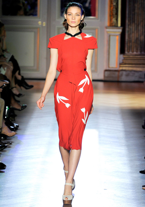 vogue:  Roland Mouret Spring 2012 Photo: Yannis Vlamos/GoRunway.comVisit Vogue.com for the full collection and review.