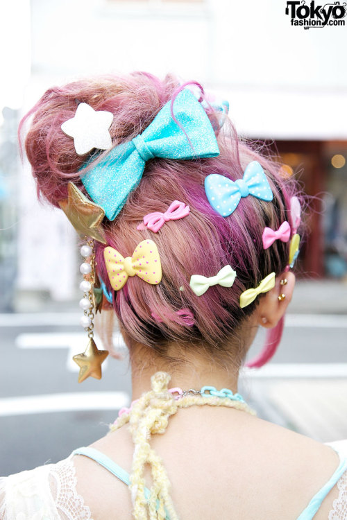 kawaiiandlovely:     Kumamiki & Junnyan's Super-Colorful Harajuku Street Style + Pink Hair 4