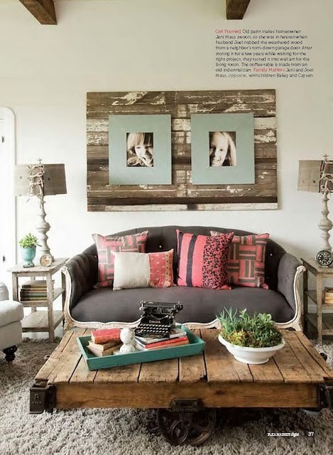 I'm completely in love with the whole rustic look inside a home. I really want to go get some cool stuff now! Who wants to go antiquing!?