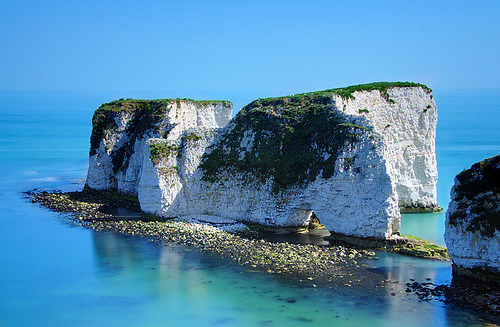 Wow. Want to go there ! (via -cityoflove)  Old Harry Rocks, England