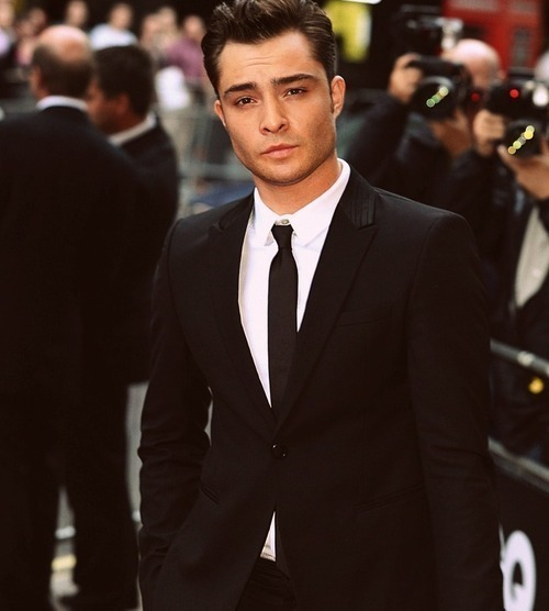 redsgomarchingon:  I started watching Gossip girl for him.