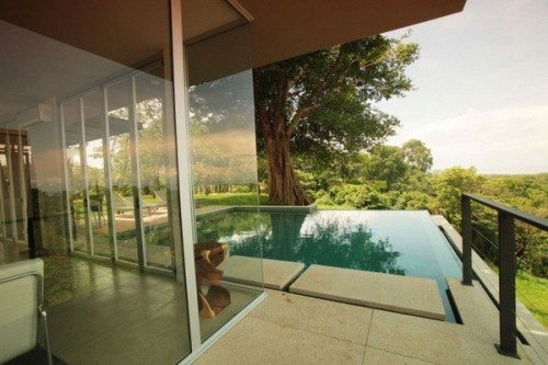 fuckyeahinteriordesigns:  Green Contemporary Home in Costa Rica: Black Beauty Tierra Villa