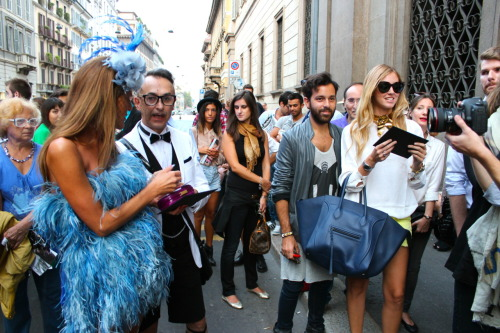 prince-vogue:  alicescarmagnan:  ANNA DELLO RUSSO & CHIARA FERRAGNI AT EMILIO PUCCI FASHION SHOW Milan Fashion Week - DAY 3 http://alicescarmagnan.tumblr.com/