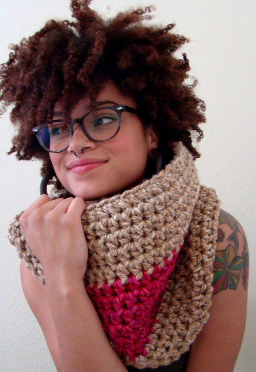 elizayogaom:  New from Cardamom: Raspberry Macchiato Color-Block Cowl