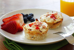 "Hash Brown Egg White Nests   Gina's Weight Watcher Recipes  olive oil spray 1/2 cup minced onion 1 cup shredded potatoes, Simply Potatoes dash of garlic powder salt and pepper to taste 1 cup egg whites or egg beaters, beaten 2 tbsp diced onions 1/4 cup diced bell peppers 0.8 oz reduced fat swiss, chopped 1 oz turkey ham, diced dash of garlic powder salt and pepper to taste Preheat oven to 375°. Lightly spray a muffin tin with oil spray.  Combine potatoes, 1/2 cup onion, garlic powder, salt and pepper.   Fill each muffin tin with 1/4 cup of potatoes and press along the side of the tin so that it forms a nest.  Bake 35 minutes or until golden brown and edges are crispy. While nests are baking, combine the egg whites with remaining ingredients in a medium bowl.   Remove nests from the oven when golden brown. Fill each cup with about 3 tbsp of egg mixture. Return to the oven and bake an additional 17-20 minutes or until eggs are fully cooked.  Makes three servings of two ""muffins"" each.  134 Calories per serving.  Fat: 1.8g / Carb: 15.3g (Fiber: 1.8g/ sugar .6g)/ Protein: 13.2 g  If you have any trouble following the directions, I encourage you to check out the original page, which has more pictures."