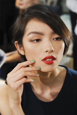 oncethingslookup:  Fei Fei Sun backstage at Christian Dior Spring 2012 RTW