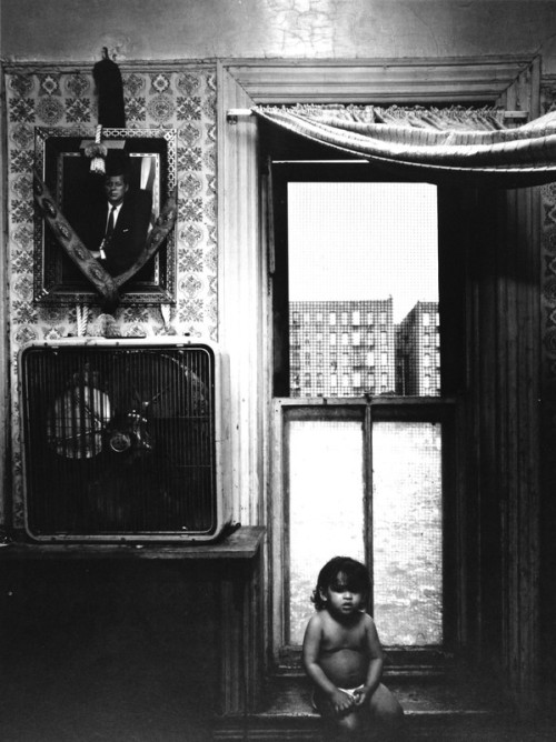 Bruce Davidson. East 100th Street, New York 1966