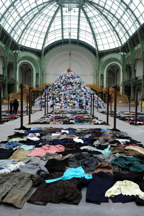 "Christian Boltanski Personnes 2010 Clothes, neon. Installation made for the exhibition ""Monumenta"", at the Grand Palais, Paris"