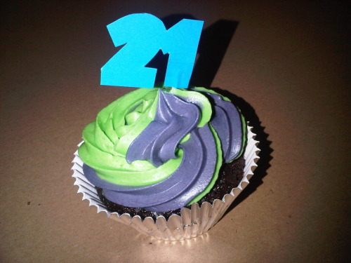 21st Birthday Cupcake - Vegan