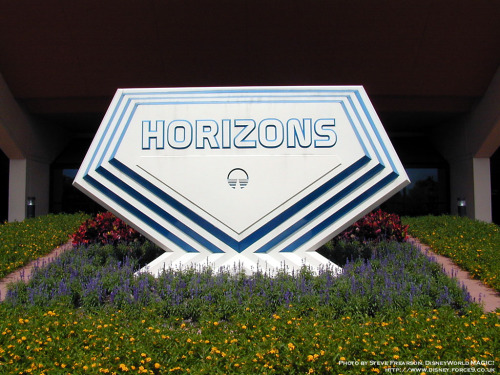 ifwecandreamitwecandoit:  Today would be Horizons 28th birthday if it was still around! So..Happy Birthday Horizons! We miss you!