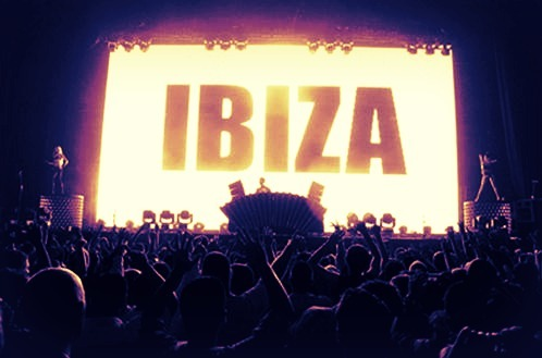 I MUST GO TO IBIZA SOME DAYY!! O.O