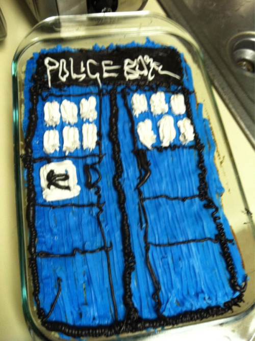doctorwho:  jessicainreallife:   My flatmate made me a TARDIS cake for my birthday!!I DON'T EVEN KNOW WHAT TO DO LKDJHFKAJOA!!!! <3333Alisa is seriously, seriously the BEST. Ever. EVARRR.This is honestly the best birthday present in the world!!I will never be able to thank you enough, Alisa.   Happy birthday and Happy Doctor Who Finale Day!  MY BIRTHDAY IS NEXT WEEK. JUST SAYING, ALL FRIENDS AND FAMILY…