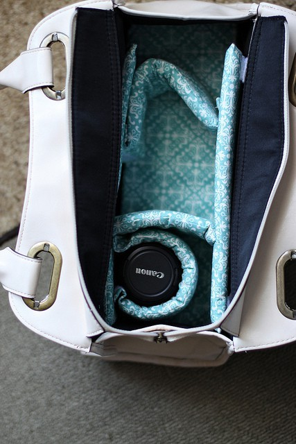 diy camera bag…of course I'm doing this. And a custom camera strap :)