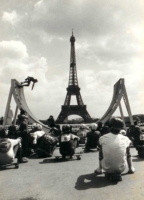 slicksix:  Skating in Paris