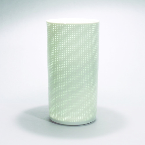 "Niisato Akio: Luminous Vessel, 2008, Glazed porcelain, 5"" x 5"" x 10"" / Keiko Gallery - Japanese artists"