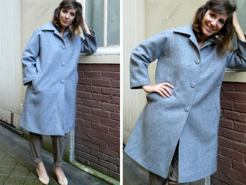Gris manteau et manteau grisEn laine grise. Taille S (si mega-oversize)/ M (un peu large comme sur la photo)/ L (jusqu'à un 42 max)40€ Coat on meGrey wool. Size S (if super-oversize)/ M (bit large like on the picture)/ L (til a 14 max)40€  Guest: NORA, en spectacle à LA LOGE toutes les semaines (il ne reste que 6 dates!). Son interview exclusive ICI.