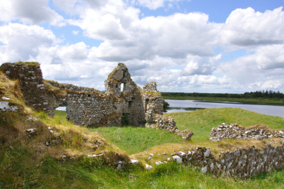 de Burgos Castle - Clonmacnoise (7) by Fergal of Claddagh 2011/6/15 cc-by-nc-sa
