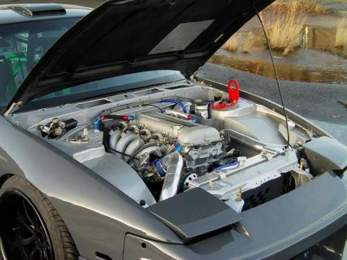 fuckyeahs13:  I want my engine bay to be that clean.