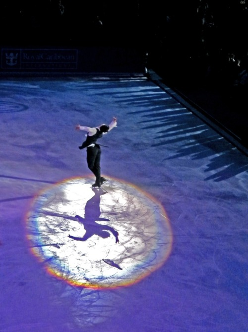 beautiful-shapes:  Opera on Ice Stéphane Lambiel ready to fly