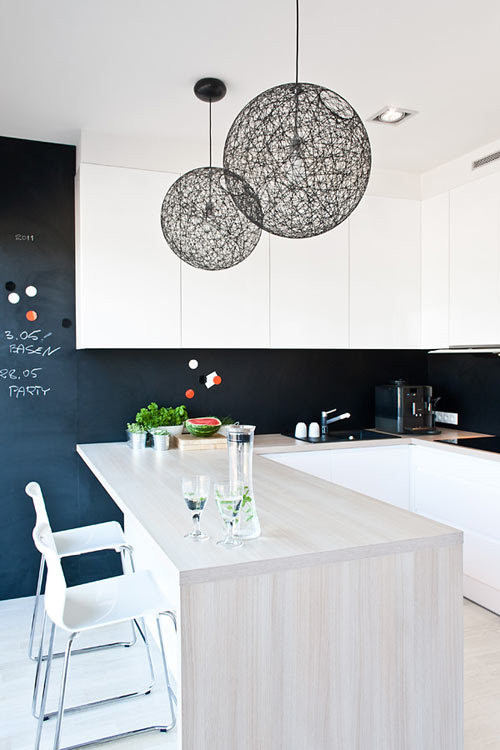 myidealhome:  once again, chalkboard wall in the kitchen (via House in Kiekrz by IPNOTIC Architecture | Design Milk)