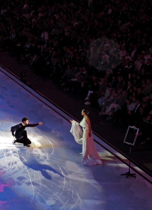beautiful-shapes:  Opera on Ice Sandhu & Kostner 2 p.