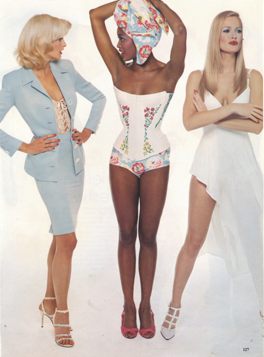 vivaversace:  Linda Evangelista, Naomi Campbell, and Karen Mulder photographed by Steven Meisel for Vogue, January 1995 wearing Gianni Versace Spring/ Summer 1995 RTW