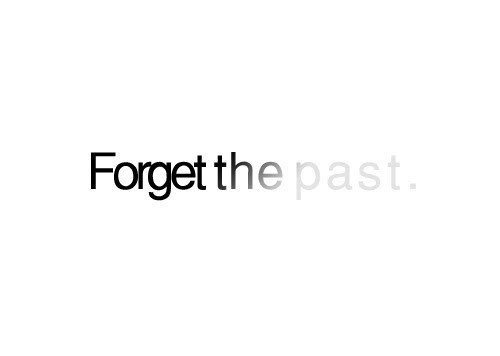 heckyeahjesussaves:  Forgetting the past and looking forward to what lies ahead (Philippians 3:13)