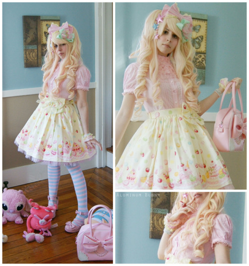 aluminumbunny:  A few more shots of me in Dreaming Macaron. I'm planning to wear this coord on Friday October 14th to NYAF/NYCC.