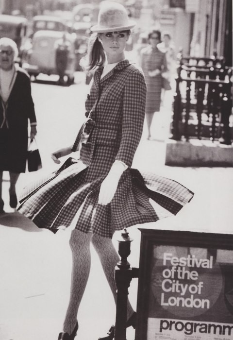 fuckyeah60sfashion:  Jean Shrimpton, 1964.
