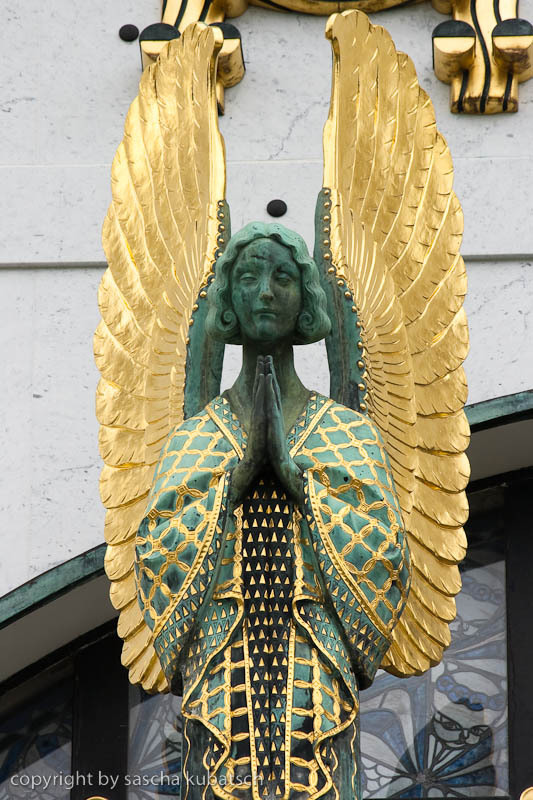 ornamenteer:  Angel on Kirche am Steinhof by Otto Wagner. Photo by vienna71_photo on Flickr.