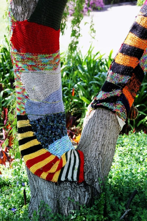 This is an awesome yarnbomb!