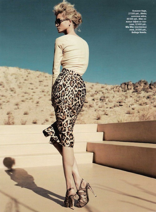 Leopard print and curves. Love!