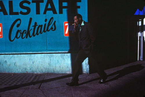 calmapparente:  Man With Cigarette, 1974 Greg Girard