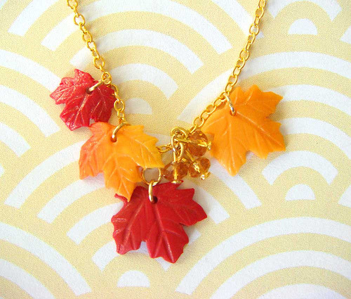 Fall Leaves Necklace (by kawaii culture)