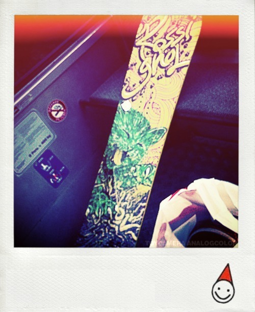 [ A new board a new season ]  I took this pic in the car-cable at 2 Alps… I was there for downhill biking,and finaly decide the last day to snowboarding, so I go make shopping and ….I got a crush on this board, I bought it imediatly ! and I need to buy some technic clothes too … I need money now hahah but I can't wait to test it ! check board: * Rossignol Board. * Fix - Raiden
