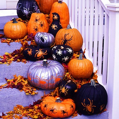 midnightinparis:  dress up pumpkins with spray paint and stencils