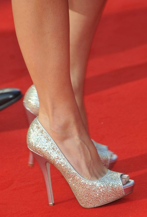 gillyinfatuation:  Gillian's amazing shoes and sexy legs!