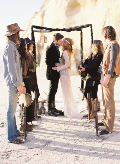 bridalsnob:  {I adore this} Bohemian beach wedding