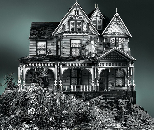 The coolest thing I've seen all day: Spooky Victorian House… … made of legos. More at ManMadeDIY