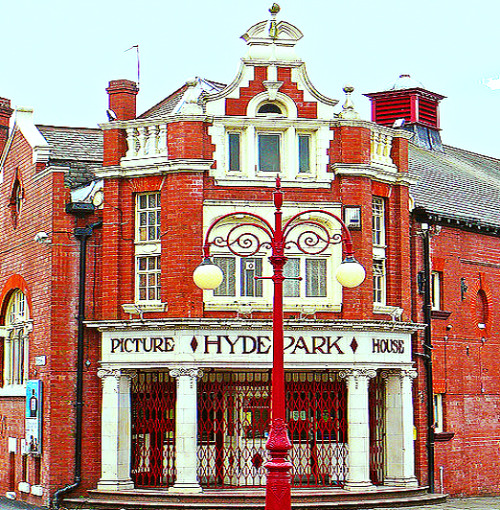 enchantedengland:     The Hyde Park Picture House on Brudenell Road in Leeds, West Yorkshire, England, is the only remaining gas-lit cinema in the United Kingdom. You also want to know that Matt Lewis (aka Neville Longbottom) is from Leeds. (image Tim Green on flickr)