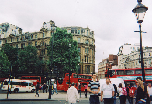 dellbby:  trafalgar square by rosielord on Flickr.