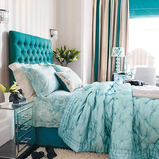 Beautiful Teal Bed!