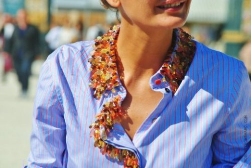 (via Everything Fabulous: Street Style: Paris Fashion Week {All in the Details})
