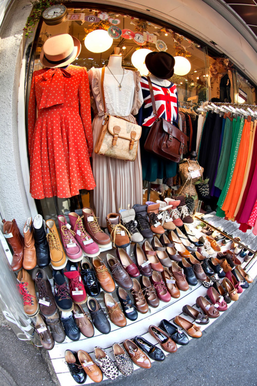 monokatze:  whimsicalmori:  tokyo-fashion:  Shoes on sale at Mocha on Cat Street between Harajuku & Shibuya.  Like Like Like Like!!!!!  Oh. My. Word.