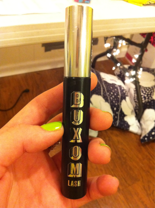 Product review: Bare Escentuals Buxom Lash mascara in Blackest Black. So right now this is the mascara I use daily and I absolutely love it. For the longest time I was looking for a mascara that didn't leave black under my eyes after wearing it all day, and then one day in Sephora I bought this little guy and it's been going well ever since. The brush is one of those more plastic ones (for lack of a better term) as opposed to the classic bristled mascara brush, but it's got a million tiny tips on it, so it makes your eyelashes look really full and separated. You can get it at Sephora or online somewhere for about $13. (I'm pretty sure this comes in blue and possibly other colors too, which is always fun) A close second would have to be Loreal's Extra Volume Collagen Plumping Mascara in Black.  Sometimes I'm really weary about drugstore products but I'm a repeat buyer of this one, and both Loreal and Revlon seem to do a FABULOUS job in terms of having quality products. The brush is different on this one, more a classic mascara brush, but it works just about the same as the Buxom lash one. You can pick this up at your local CVS/Walgreens/Target for about $8.