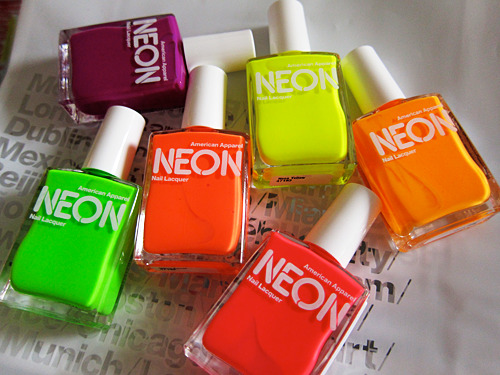 Love these neon colors.