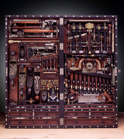 notesondesign:  Found: The perfect tool chest.
