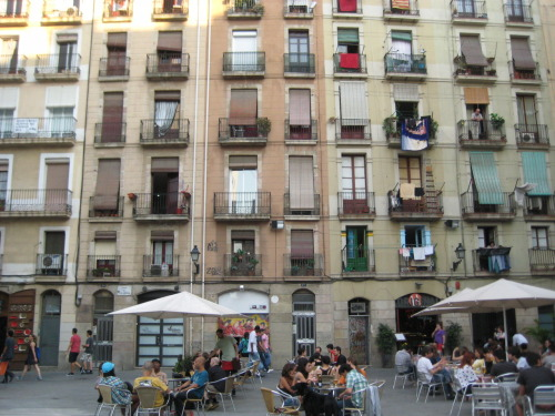 Episode 22 - Barcelona: La Raval Original Air Date: October 3, 2011     Current City producer Ivy Lin talks about skateboarding culture in Barcelona:  La Raval, formerly the working men's quarter outside of the city wall of Barcelona, is now full of immigrants from all over the world—especially from Africa and the Middle East.  It is possibly the most culturally diverse neighborhood in Barcelona. On my second day in Barcelona, a warm Sunday night, I was heading back to my hotel from visiting an exhibit at CCCB (Center of Contemporary Culture of Barcelona). I walked into a mega skateboarding scene in front of MACBA (Museum of Contemporary Arts), where 50-60 skateboarders were skating in all directions on many different levels of open platform. Groups of people from all walks of life were hanging out around the platforms. It was truly a fiesta amongst skateboarders. Via an impromptu interview with a resident in La Raval, I learned the history of skateboarding culture in the city of Barcelona. I also had a chat with Canadian architect Rafael Gomez-Moriana (who teaches architecture in Barcelona) about the history of La Raval and the design of CCCB & MACBA.  Center of Contemporary Culture of Barcelona (CCCB)Museum of Contemporary Arts (MACBA) Show CreditsProduced By: Ivy Lin Episode CreditsSpecial Guests:Rafael Gomez-Moriana