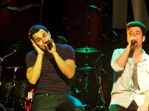 Big Time Carlos & Logan…#4 @TheCarlosPena's so sweet in this photo!